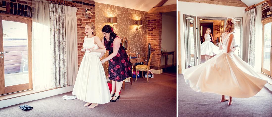 Mythe Barn, wedding photography, relaxed, female photographer, vintage, theme, Warwickshire