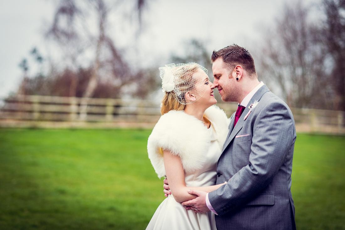 Mythe Barn, wedding photography, vintage, glamour, Warwickshire, female Photographer, relaxed, reportage