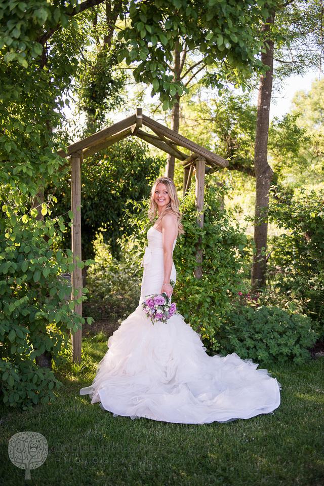 wedding, Hanbury, Worcestershire, bride, portrait, Vera Wang, dress, natural, documentary, photography