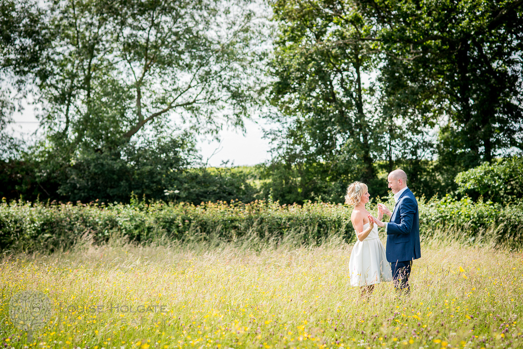wedding, field, relaxed, couple, romantic, Bromsgrove