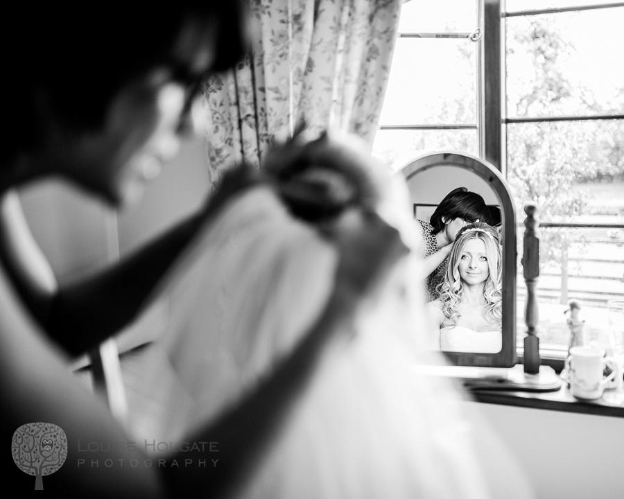 wedding, Hanbury, Worcestershire, bride, getting ready, Vera Wang, dress, natural, documentary, photography, mirror, veil