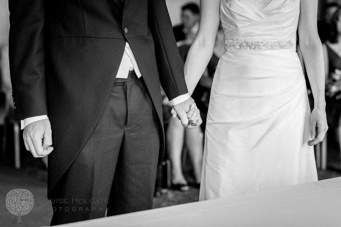 bride, groom, holding hands, wedding, ceremony