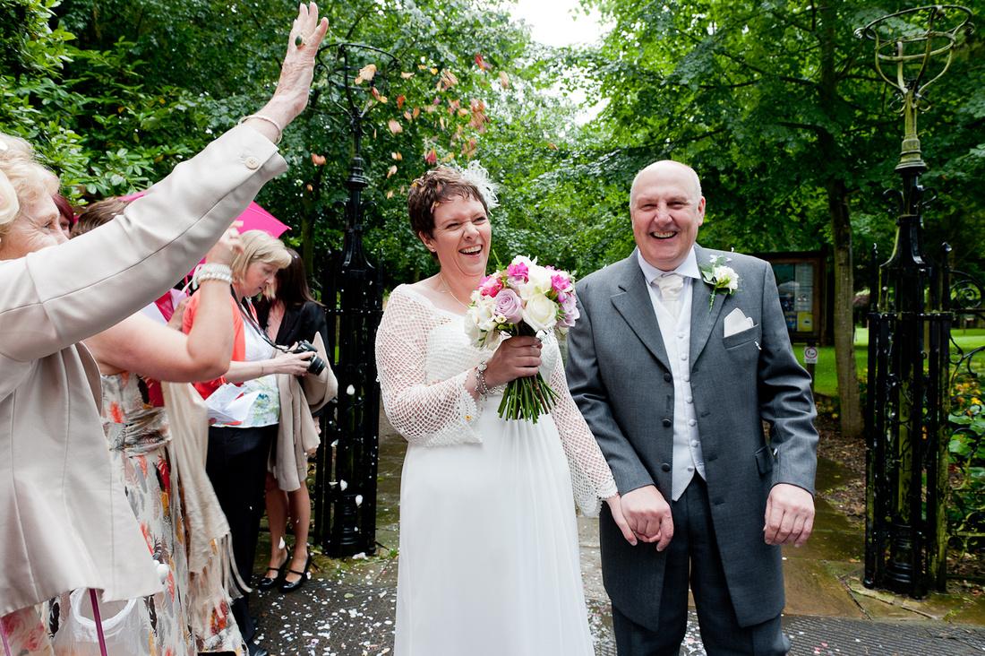 wedding photographer confetti Stratford Upon Avon