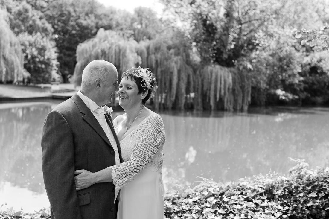 Holy Trinity Stratford Upon Avon River wedding photographer