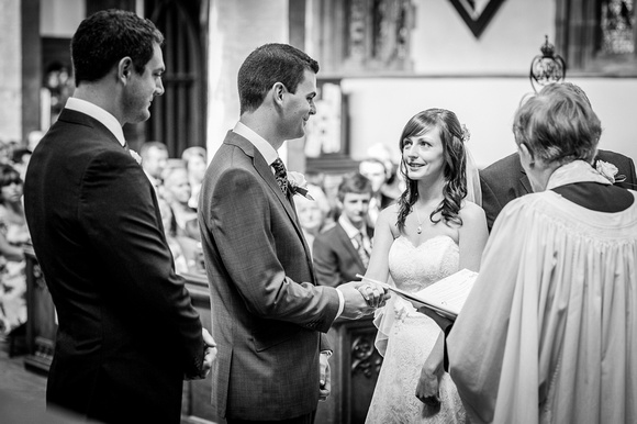 wedding photography at holy trinity church in stratford upon avon