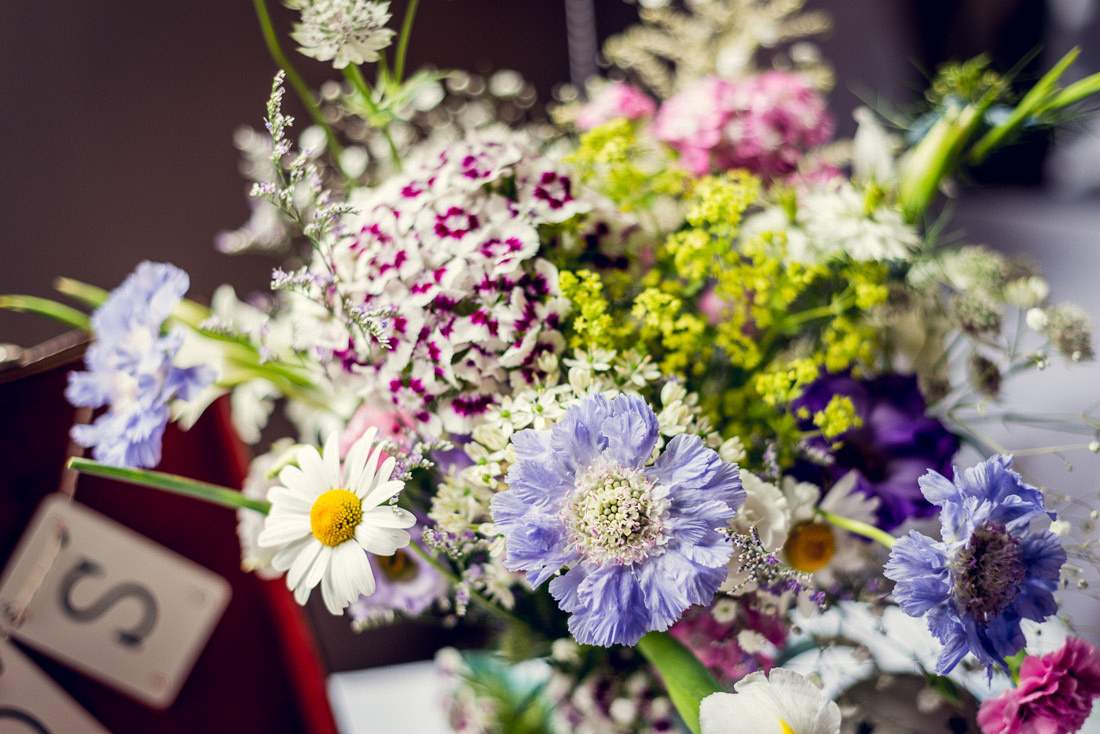 natural organic wedding flowers scabious daisy sweet william astrantia