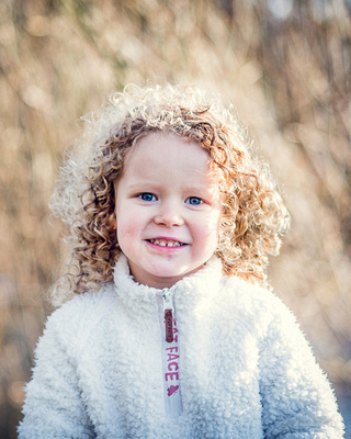 natural outdoors child portrait